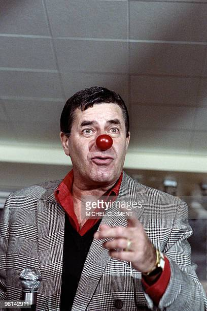 US humorist comedian director and singer Jerry Lewis jokes during a press conference about myopathy and the Telethon France's biggest annual...