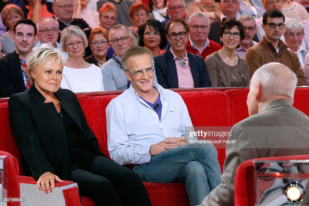 Humorist Muriel Robin, Actor Christophe Lambert and their Former Teacher, Main Guest of the show Michel Bouquet attend the 'Vivement Dimanche' French TV Show at Pavillon Gabriel on January 27, 2016 in Paris, France.