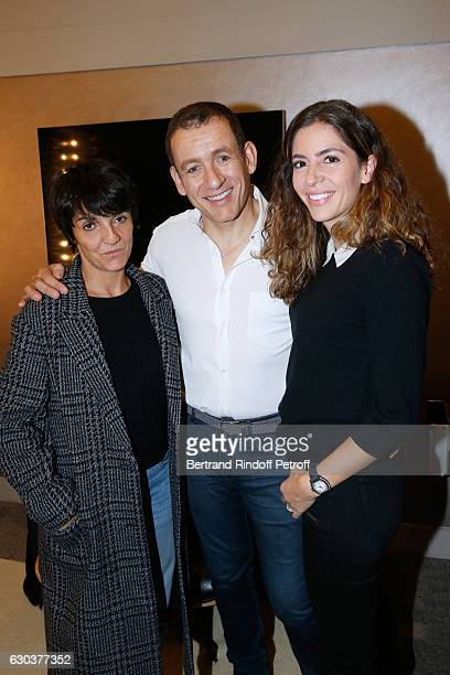 Humorists Florence Foresti Dany Boon and his wife Yael pose Backstage after the triumph of the 'Dany De Boon Des HautsDeFrance' Show at L'Olympia on...