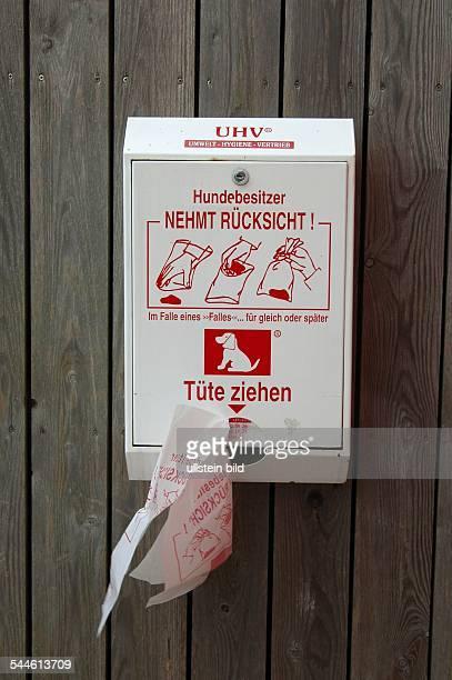 Hundekot Behälter mit Tüten zur Beseitigung von Hundekot