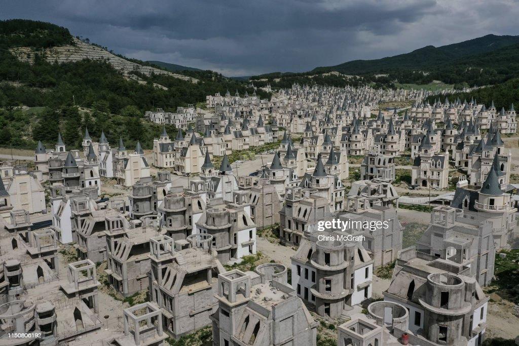 Turkey's Abandoned 'Castle' Community : ニュース写真