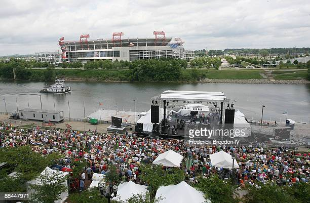 Hundreds of country music fans line the banks of the Cumberland River at Riverfront Park for the 2009 CMA Music Festival on June 11 2009 in Nashville...