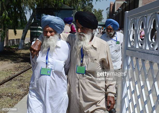 Hundreds of Indian Sikh pilgrims arrived at the Wagah railway station by a special train near Lahore Sikh yatris will visit Pakistan to celebrate the...