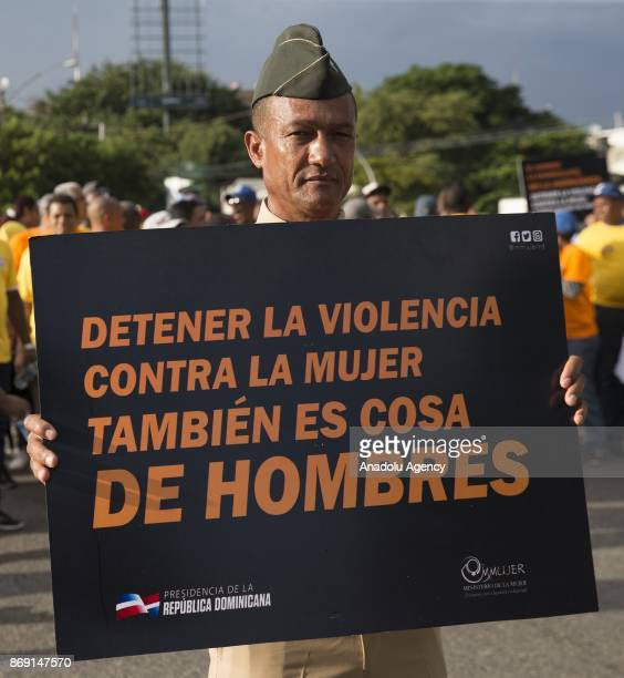 Hundreds of men participated today in the capital of the Dominican Republic in a march against feminicide under the slogan 'Stop violence against...
