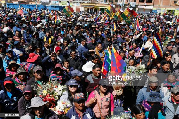 Hundreds of people attend the funeral of the men killed during clashes with police at the Senkata fuel plant on November 21, 2019 in El Alto, the...