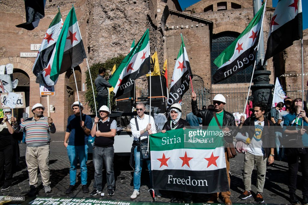 Protest in solidarity with Syrian people in Rome : News Photo