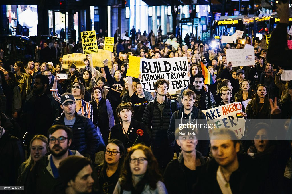 Protestors clash with police at Chicago's Trump Tower : News Photo