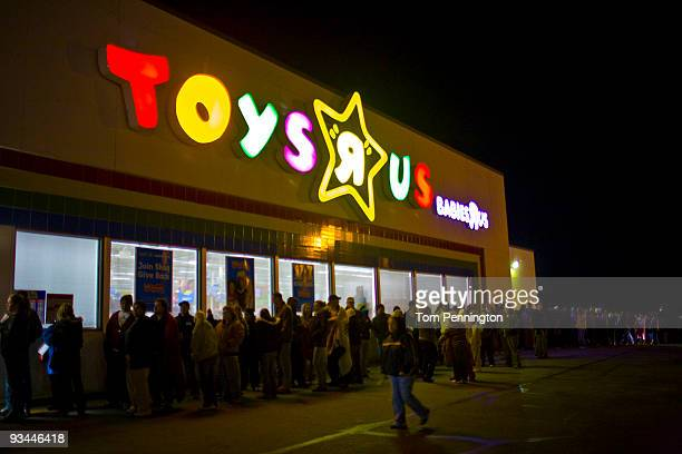 Hundreds of shoppers wait outside the Toys'R'Us for the start of the Black Friday sales event on November 27 2009 in Fort Worth Texas Toys'R'Us...