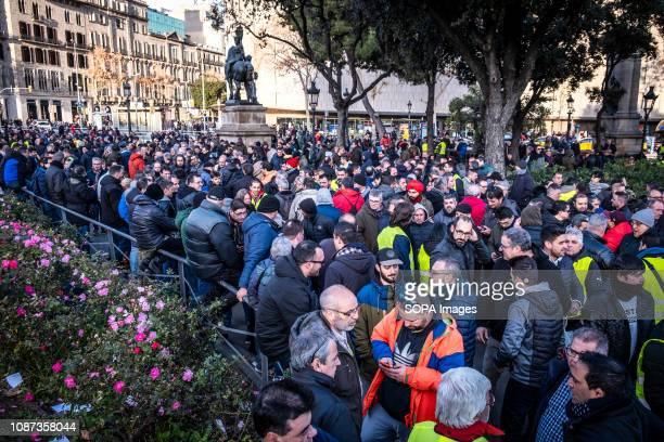 Hundreds of taxi drivers seen waiting at Plaza Cataluña for their turn to vote and resolve the continuity or not of the strike The voting process has...