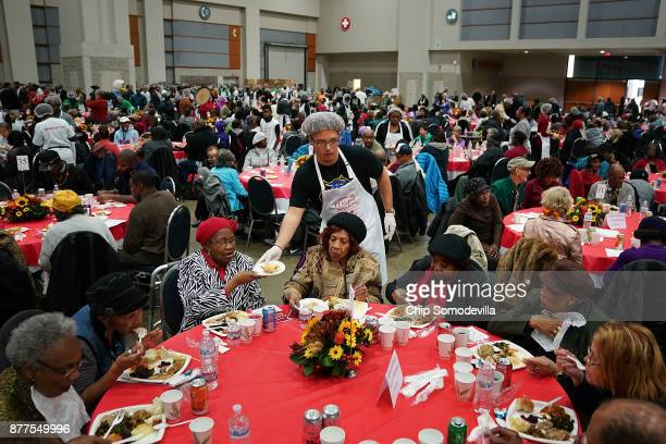Hundreds of volunteers serve Thanksgiving dinner for more than 5,000 District of Columbia resident during The Salvation Army and Safeway's 18th...