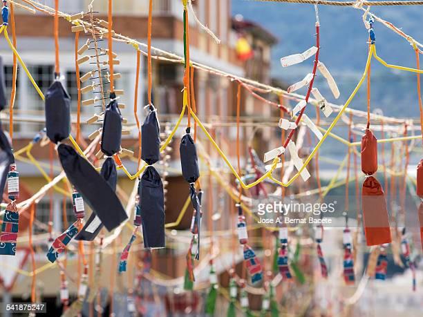 Hung petards of a few ropes