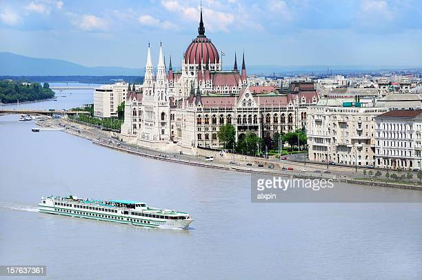 hungarian parliament - danube river stock pictures, royalty-free photos & images