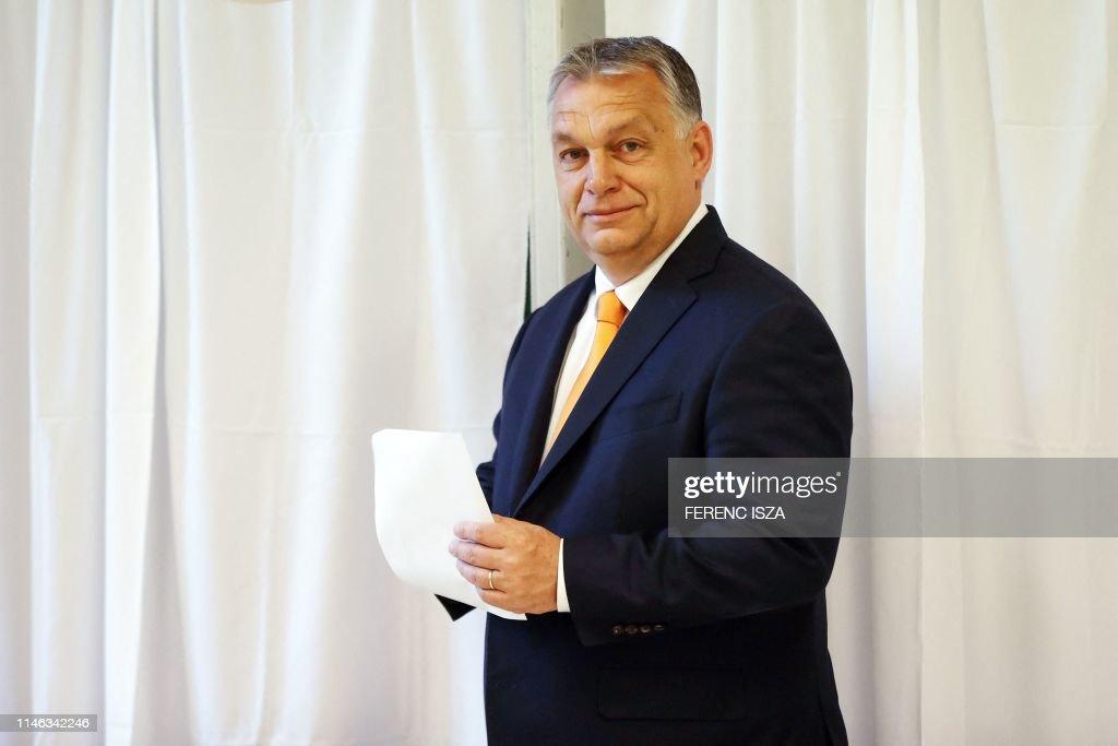 HUNGARY-EU-POLITICS-ELECTIONS-VOTE : News Photo