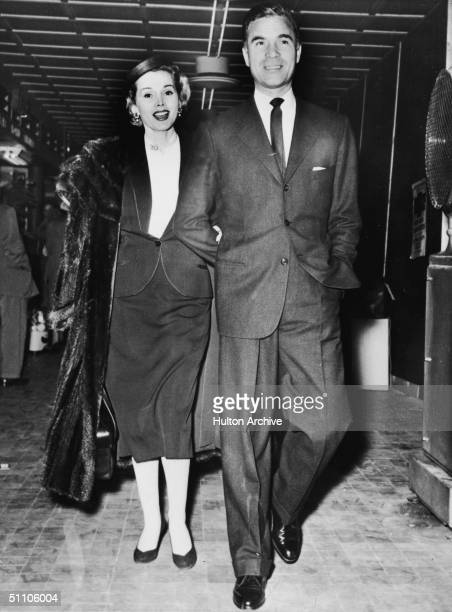 Hungarianborn actress Zsa Zsa Gabor and Dominican diplomat and socialite Porfirio Rubirosa holiday together in Nice france August 8 1953