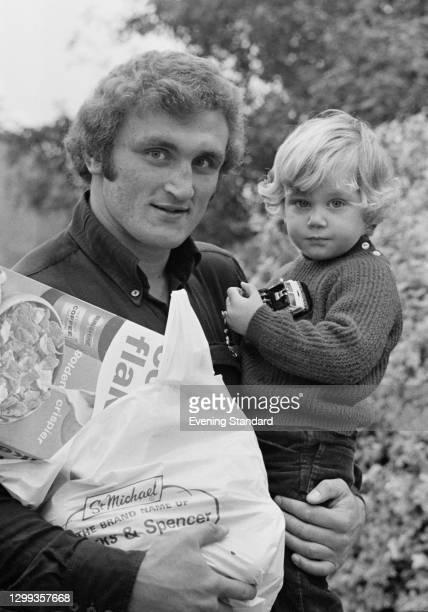Hungarian-born British boxer Joe Bugner with his son Joe Bugner Jr, UK, 11th October 1972.