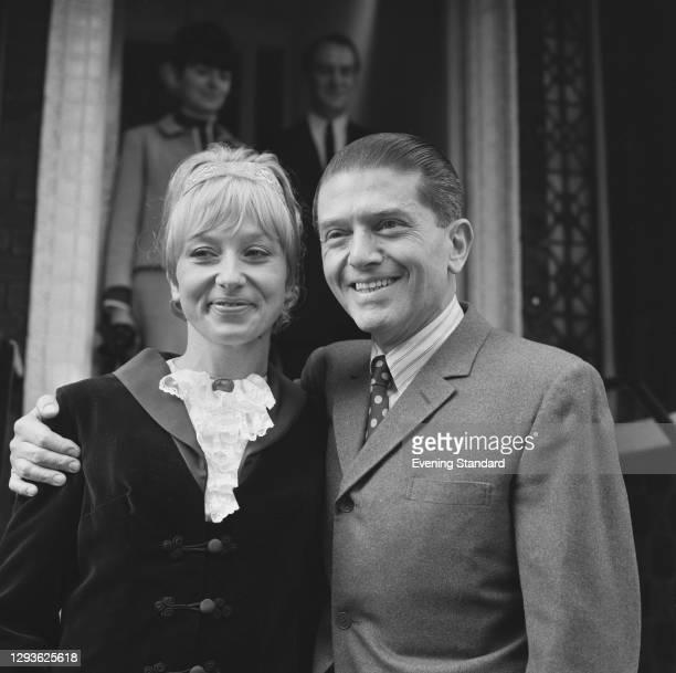 Hungarian-born food critic Egon Ronay marries Barbara Ashton, UK, November 1967.