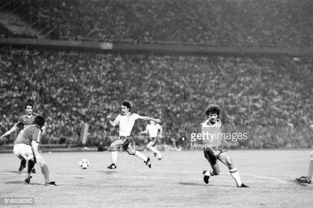 Hungary 1-3 England, Group 4 World Cup Qualifier, match at the Nepstadion, Budapest, Hungary, Saturday 6th June 1981. Terry McDermott & Kevin Keegan.