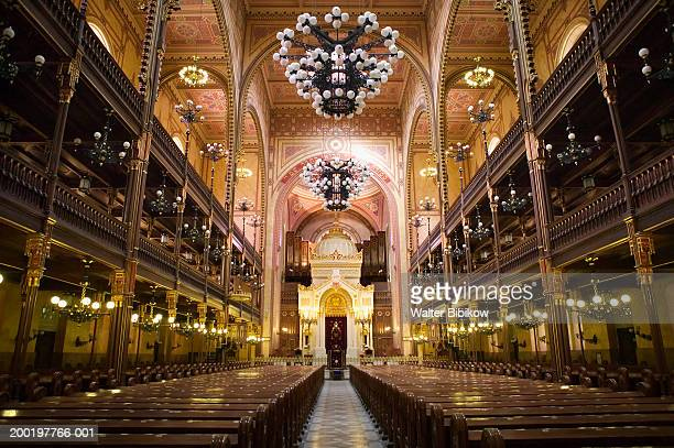 hungary, budapest, the great synagogue, interior - synagogue stock pictures, royalty-free photos & images