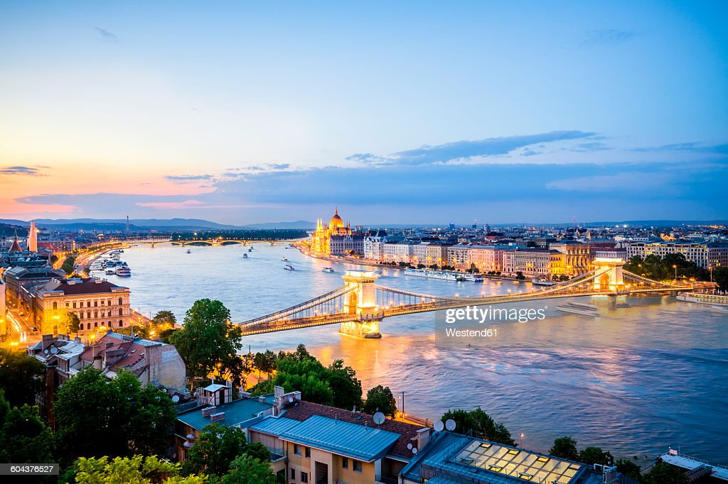 Hungary, Budapest, View over Pest from Buda : Foto de stock