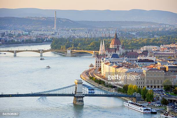 hungary, budapest, view to river danube, chain bridge and parliament buildung, margaret bridge and margaret island - budapest stock pictures, royalty-free photos & images