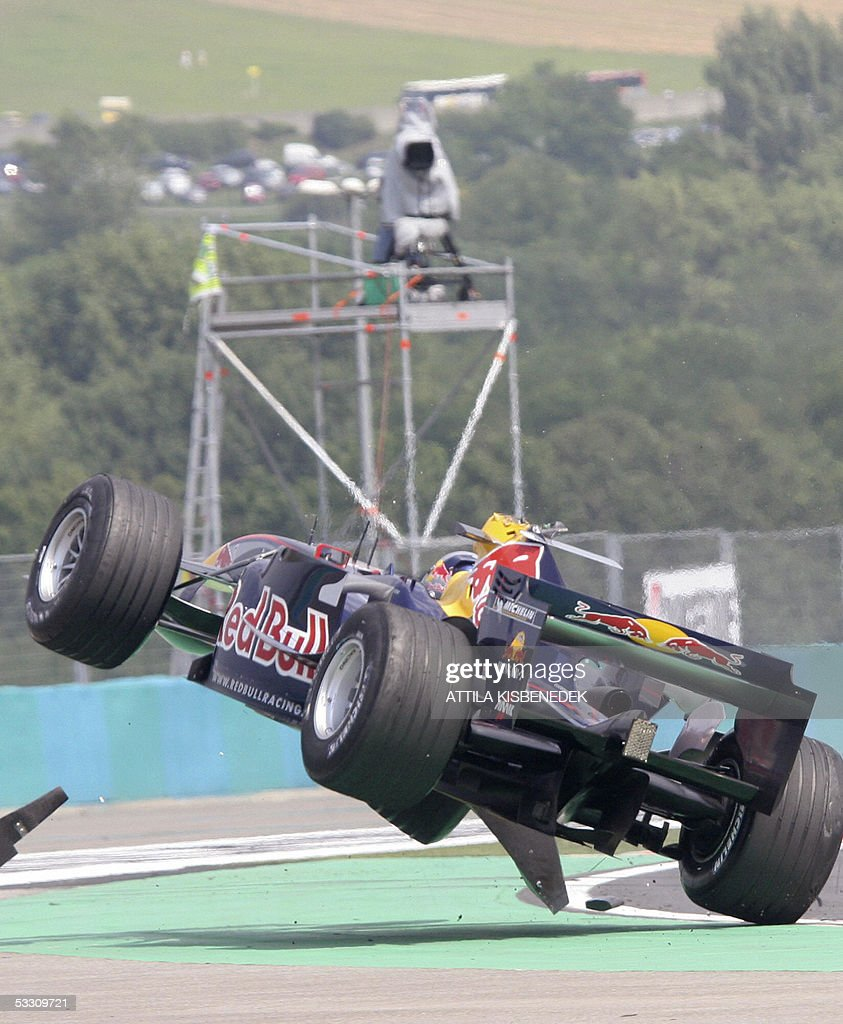 Red Bull Austrian driver Christian Klien crashes his car on the Hungaroring racetrack during the Hungarish Grand Prix, 31 July 2005 in Budapest, Hungary.