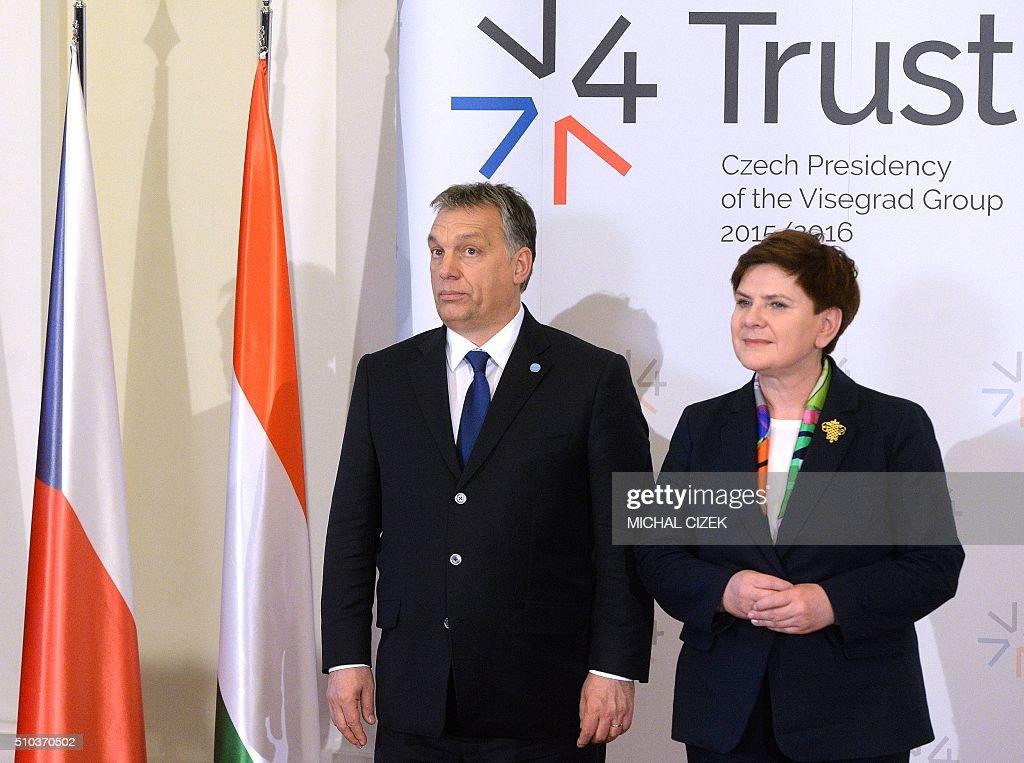 EUROPE-MIGRANTS-CZECH-POLAND-SLOVAKIA-HUNGARY : News Photo