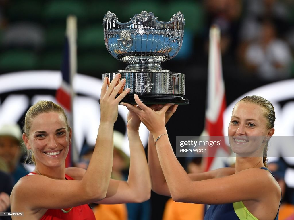TENNIS-AUS-OPEN-PODIUM : News Photo