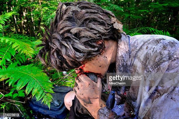 Hungrig Geschäftsmann in den Dschungel