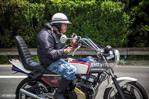 hungrig japanische motobiker - honda stock-fotos und bilder