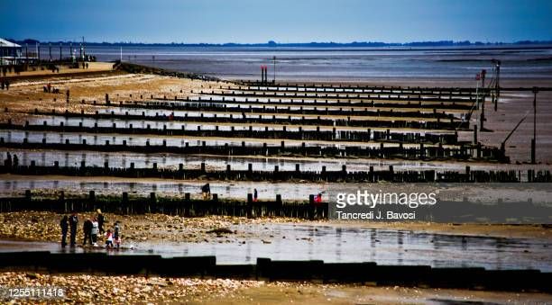 hunstanton beach - bavosi stock pictures, royalty-free photos & images