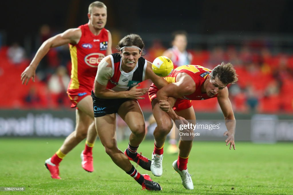 AFL Rd 10 - Gold Coast  v St Kilda : News Photo