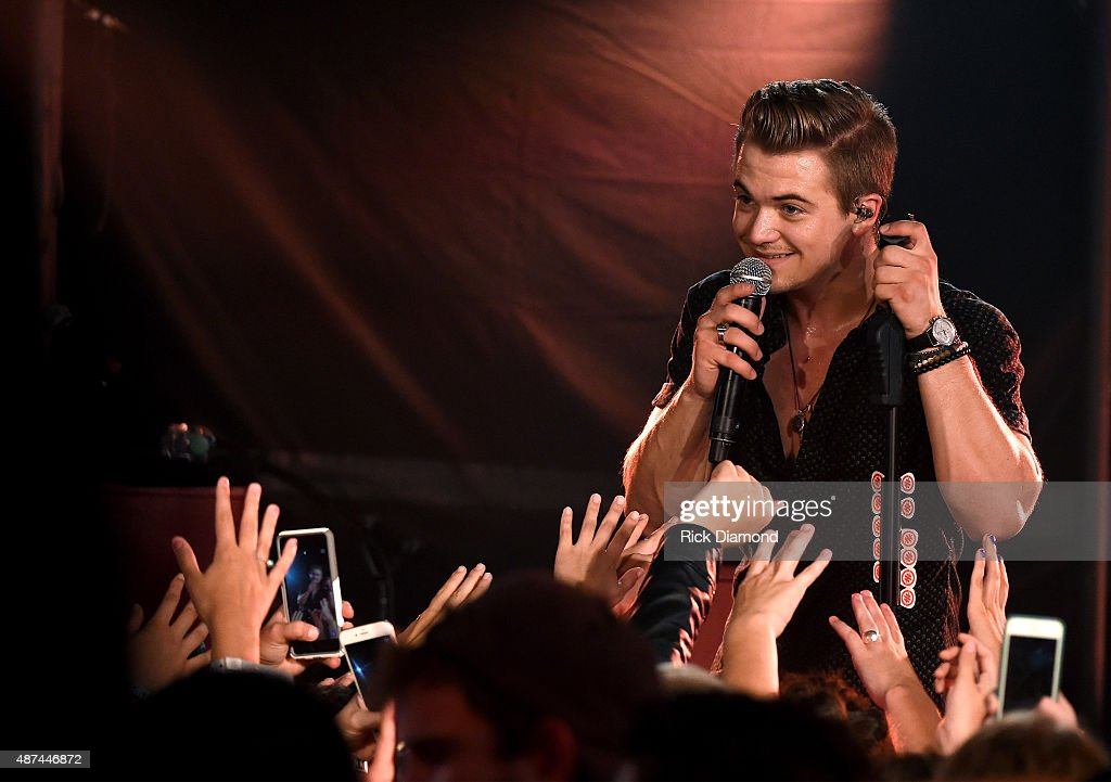 Hunter Hayes Performs A Surprise Pop-up Concert In Lexington, KY As Part Of CMT Instant Jam, Premiering September 26 At 10/9c On CMT