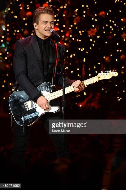 Hunter Hayes performs onstage at TNT Christmas in Washington 2014 at the National Building Museum on December 14 2014 in Washington DC...