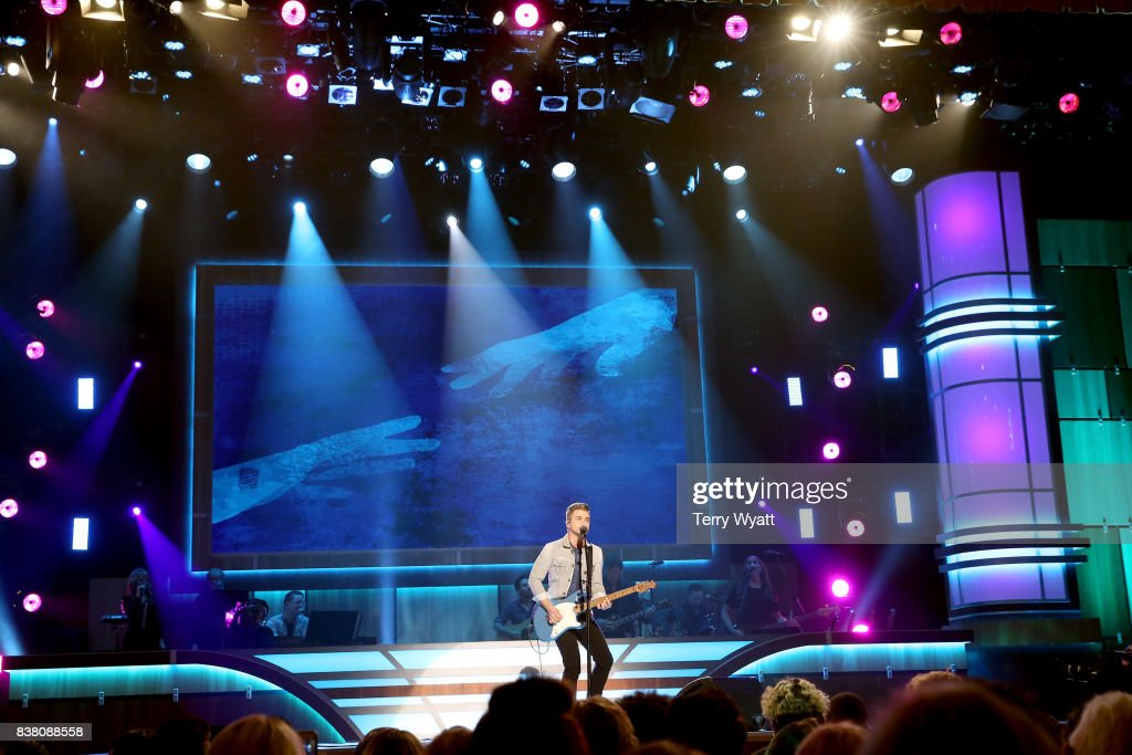 Hunter Hayes performs onstage during the 11th Annual ACM Honors at the Ryman Auditorium on August 23, 2017 in Nashville, Tennessee.