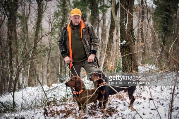 Jager in het bos