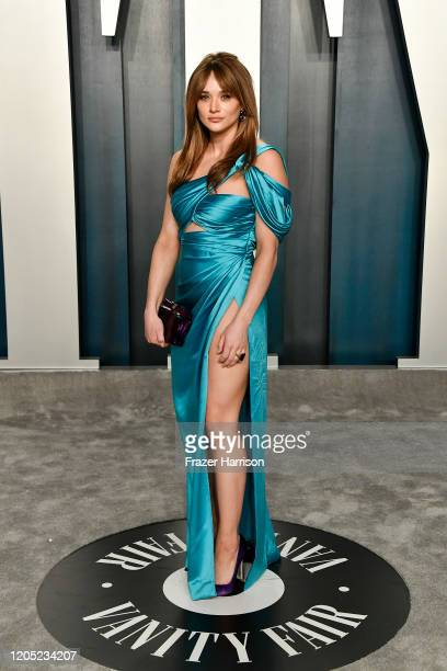 Hunter King attends the 2020 Vanity Fair Oscar Party hosted by Radhika Jones at Wallis Annenberg Center for the Performing Arts on February 09 2020...
