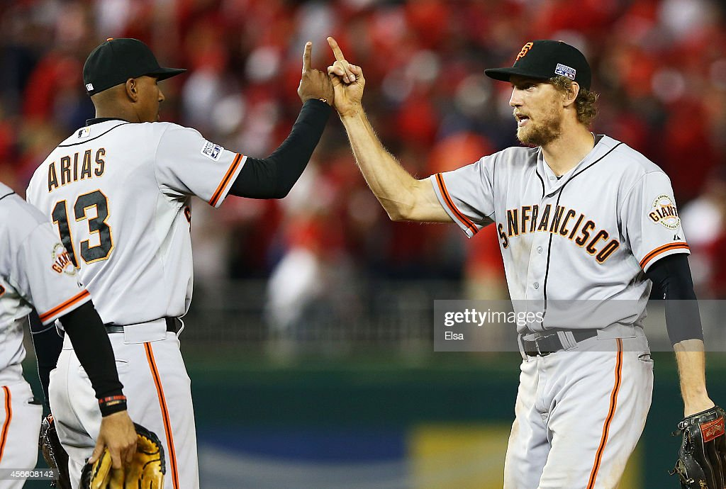 Division Series - San Francisco Giants v Washington Nationals - Game One : News Photo