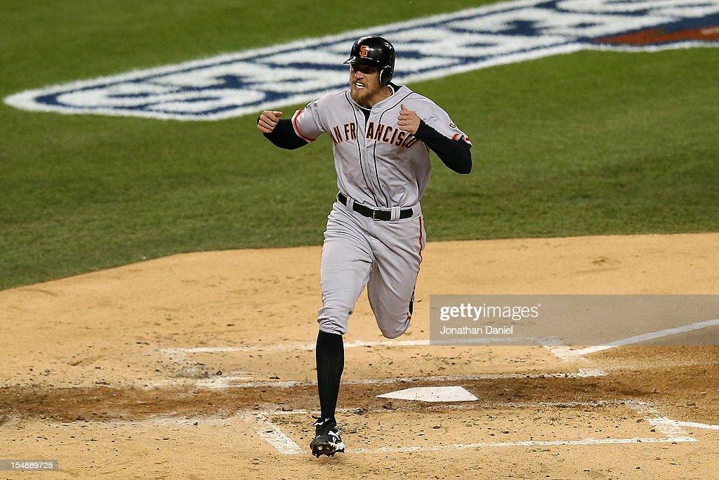World Series - San Francisco Giants v Detroit Tigers - Game 4 : News Photo