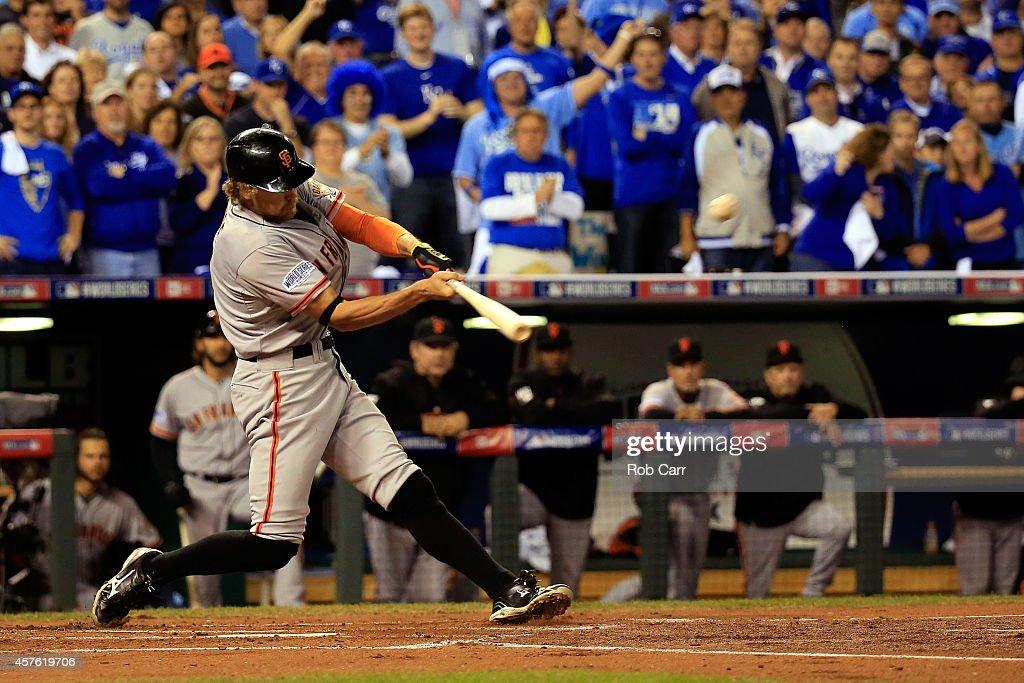 World Series - San Francisco Giants v Kansas City Royals - Game One : News Photo