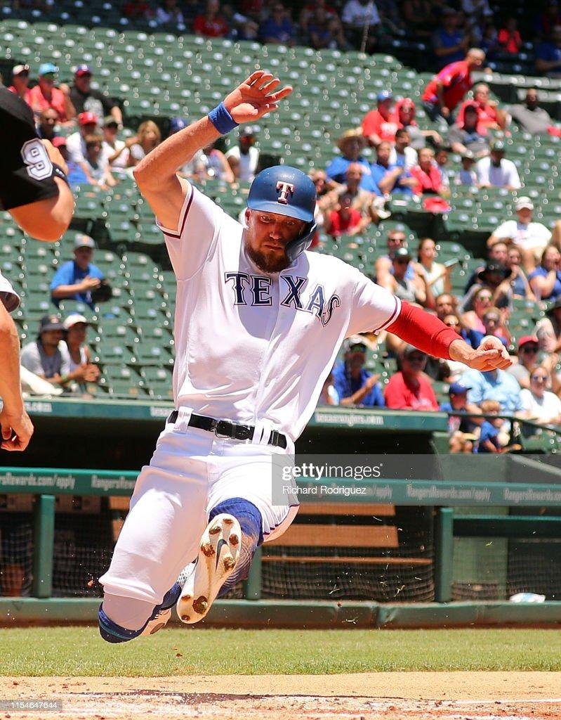 Oakland Athletics v Texas Rangers - Game One : News Photo