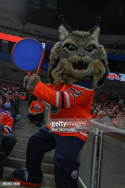 182 Oilers Mascot Photos And Premium High Res Pictures Getty Images
