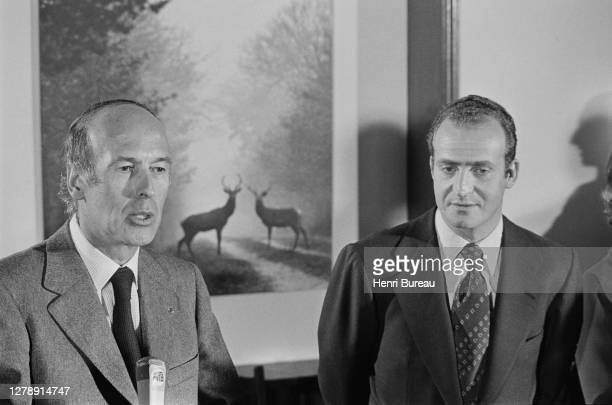 Hunting party for French President Valery Giscard d'Estaing and Spanish Prince Juan Carlos in Castle of Chambord , 22nd February 1975.