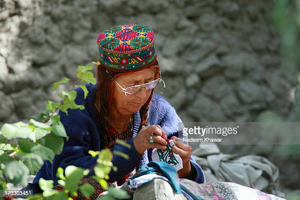 hunza threding - hunza valley stock pictures, royalty-free photos & images