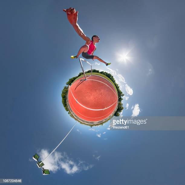 hurdler, little planet view - formato de pequeno planeta - fotografias e filmes do acervo