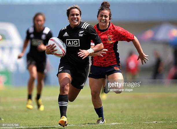 Huriana Manuel of New Zealand in action against Spain during the Women's HSBC Sevens World Series at Arena Barueri on February 20, 2016 in Barueri,...