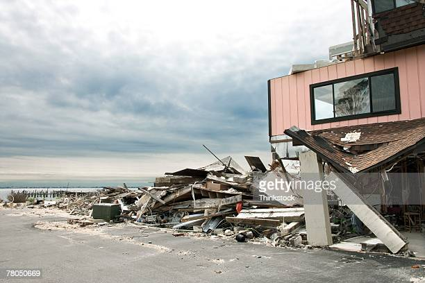 hurricane damage - orkaan stockfoto's en -beelden