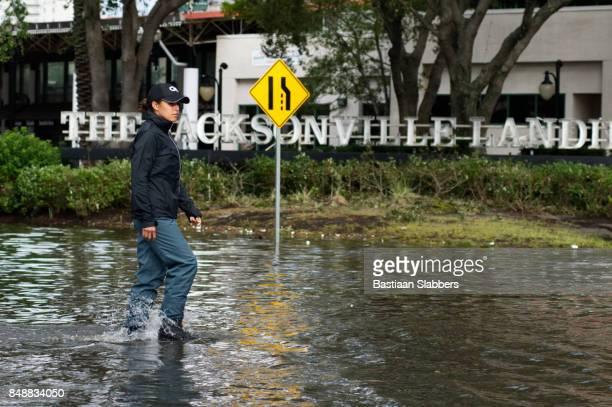 hurrikan-irma schlägt usa - jacksonville florida stock-fotos und bilder