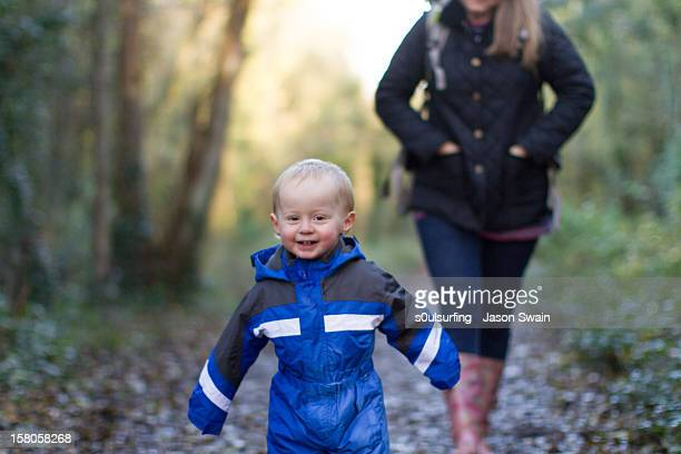 hurry up mum - s0ulsurfing stock pictures, royalty-free photos & images