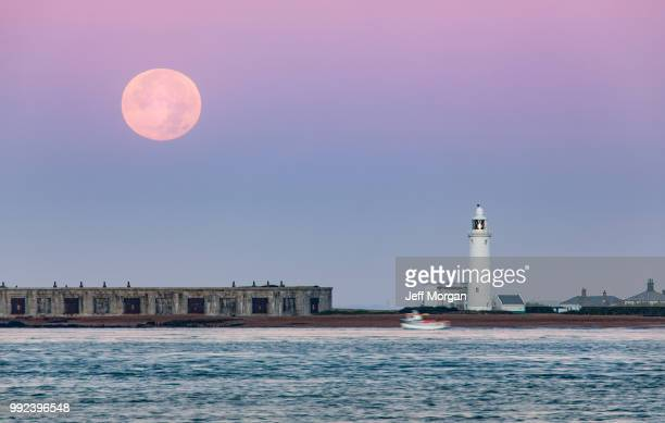 Hurst Point Lighthouse and Super Moon / Hunter's Moon set from F