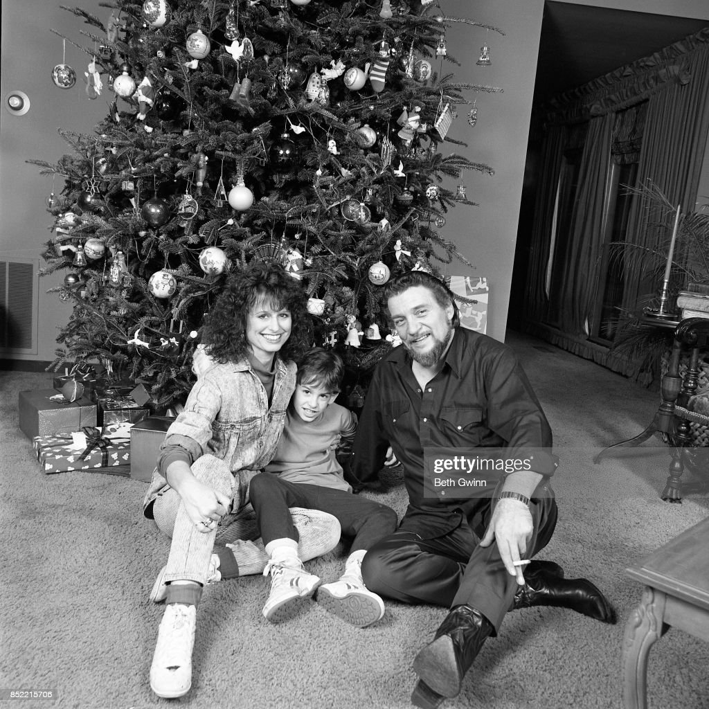 Waylon Jennings, Shooter Jennings And Jessi Colter : News Photo